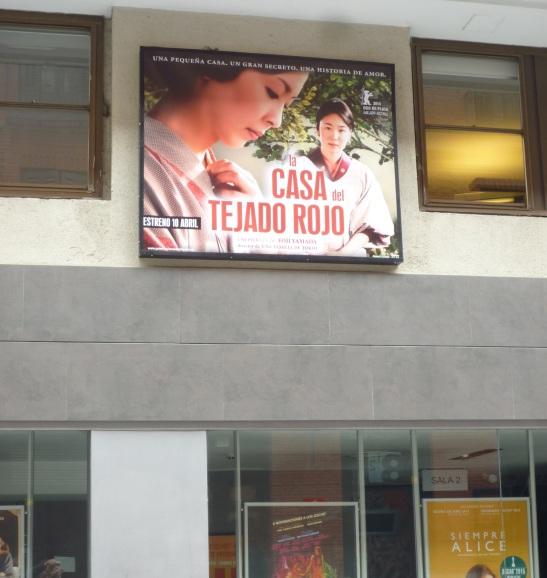 """""""La casa del tejado rojo"""" ya se anuncia hace dias en los cines Golem de Madrid"""